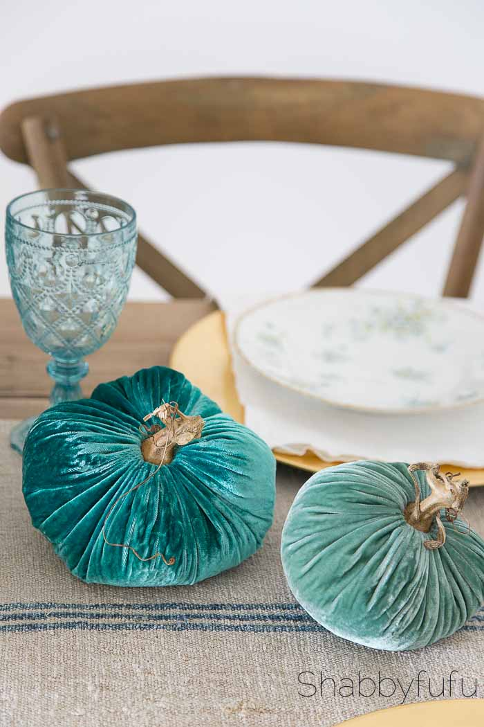 plush-pumpkin-turquoise