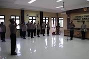Kapolres Serang Pimpin Upacara Korp Rapot Kenaikan Pangkat Pengabdian 2 Personil Polres Serang