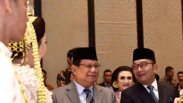 Ridwan Kamil Melirik-lirik Prabowo Saat Sama-sama Jadi Saksi Nikah