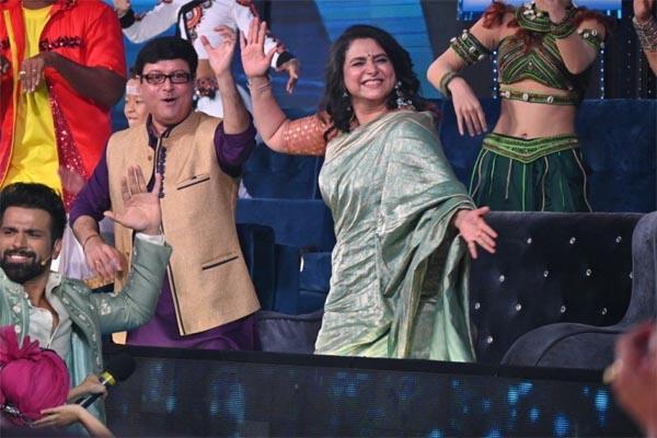 Supriya and Sachin Pilgaonkar on the set of Super Dancer Chapter 4