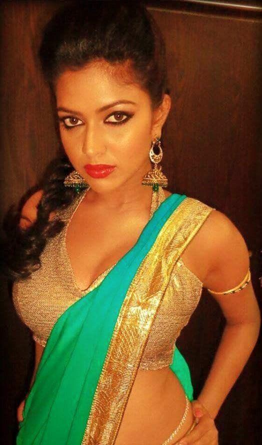 Amala Paul Hot Seducing Saree Stills-Sexy Photo Collection