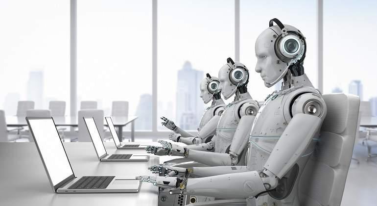Microsoft reemplazará a docenas de periodistas por robots