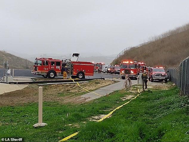 Bomberos en el lugar del accidente