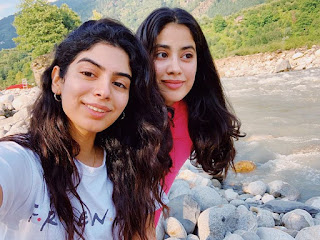 Bollywood Actress Jhanvi Kapoor and Khushi Kapoor