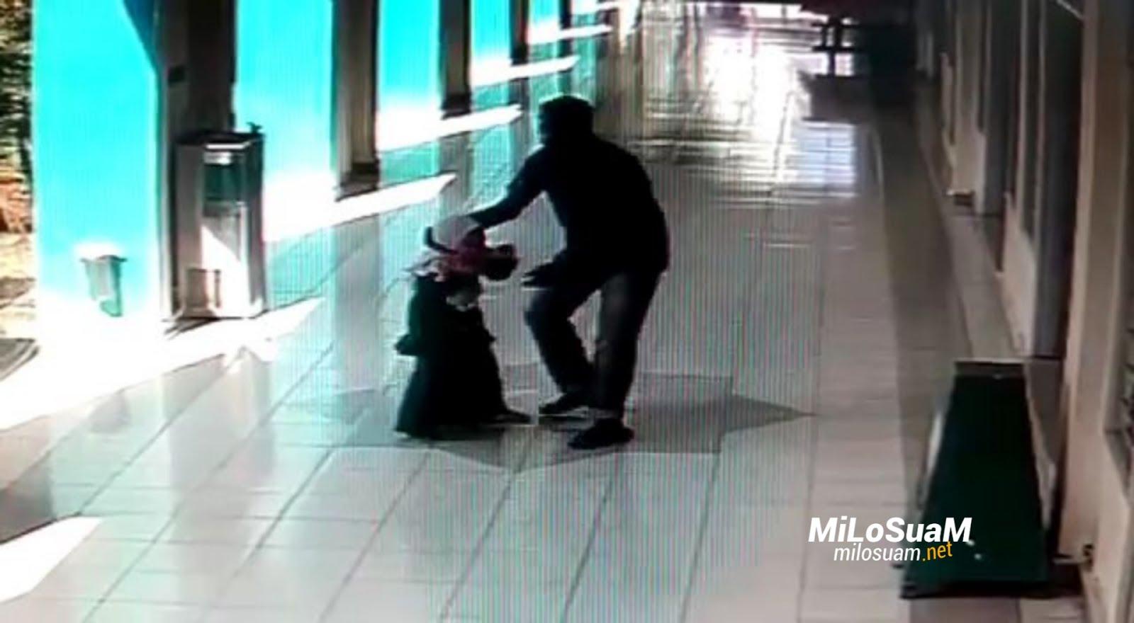Culik budak dalam masjid