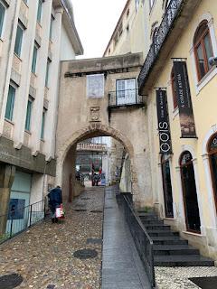 Arco da Almedina em Coimbra