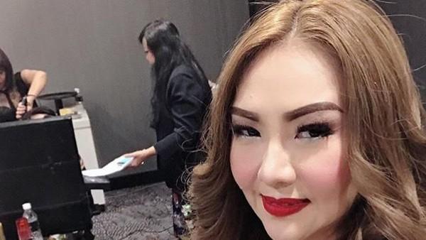 Ikut Seteru Elza Vs Nikita, Poppy Kelly Dimarahi Suami Bule
