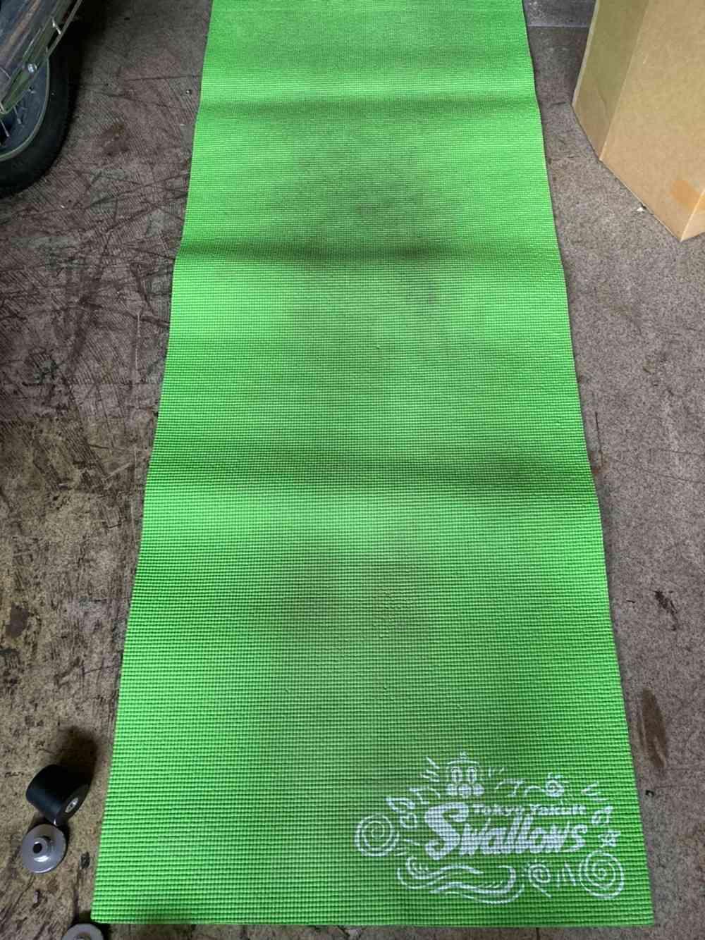 柔軟体操、筋トレ用のマット