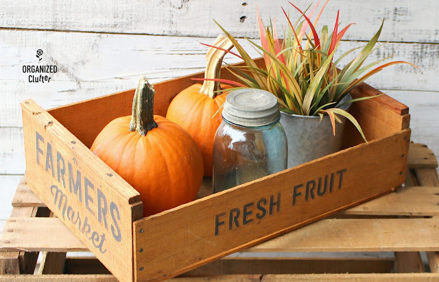 A Vintage Stenciled Fruit Crate Fall Vignette #stencil #fall #containervignette #cratevignette #vintage