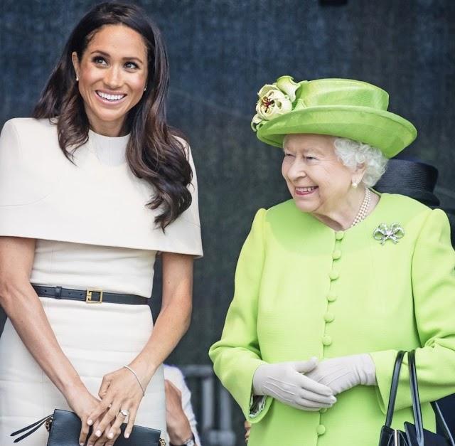"""Rainha Elizabeth """"profundamente desapontada"""" com decisão de Harry e Meghan"""