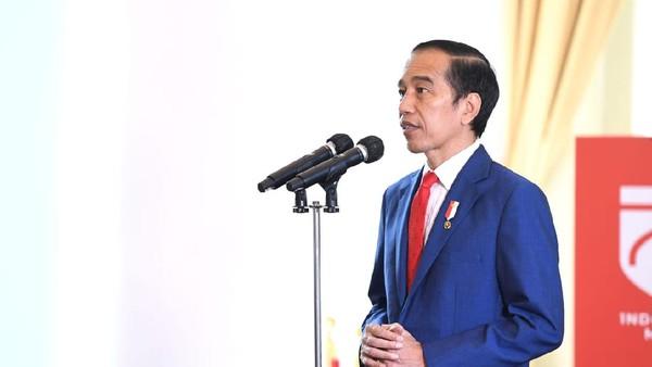 Jokowi Himbau Warga Beli Produk Lokal, Jangan Cuma Bisa Import