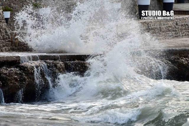 Το Λιμεναρχείο Ναυπλίου προειδοποιεί για θυελλώδεις ανέμους