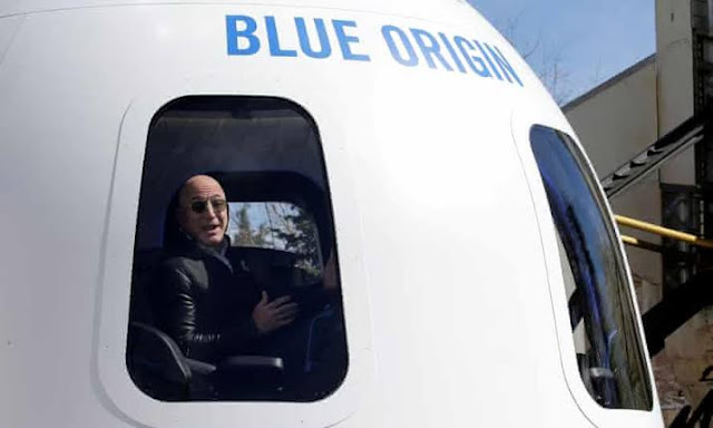 Unknown Bidder Pays $28million for a Seat with Jeff Bezos on Space Trip