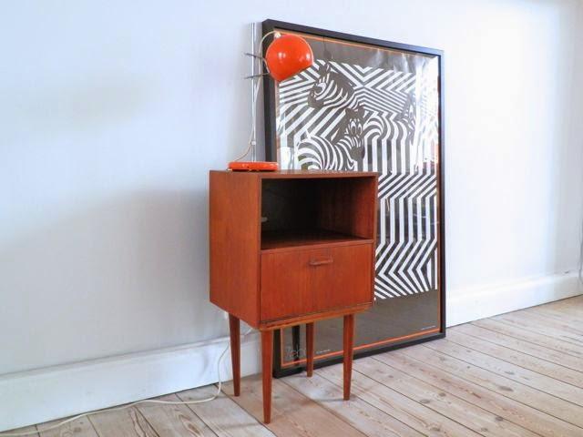 retro skab Retro Furniture: Lille teaktræ skab med låge retro skab