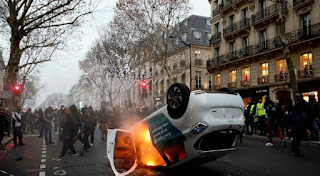 Yellow Vests' storm French ministry as protests turn violent