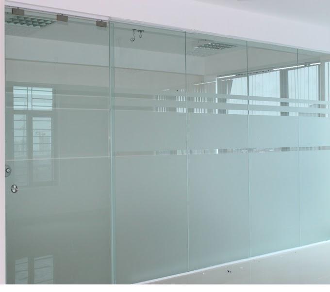 Đơn vị cung cấp dịch vụ lắp vách kính showroom tiêu chuẩn