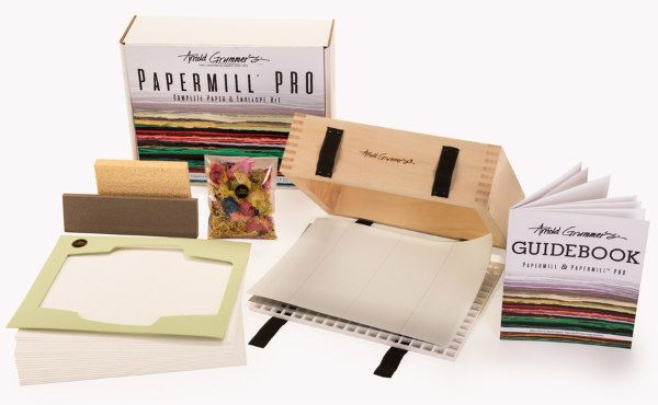 Arnold Grummer's PRO Paper Making Kit contents