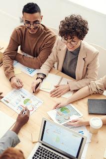 अब आप अपने भविष्य को बचाने और निवेश करने के लिए क्या कदम उठा सकते हैं?