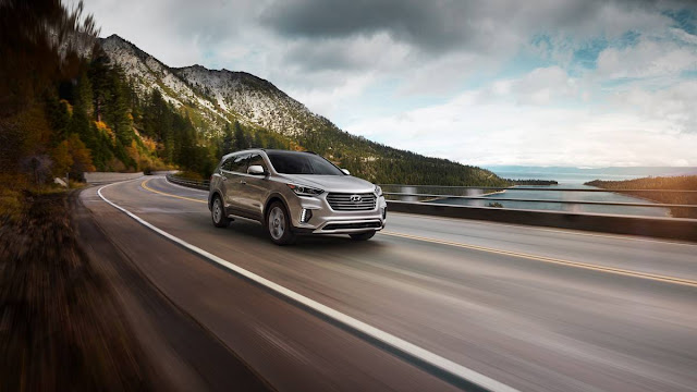 2018 Hyundai Santa FE Review rear front view