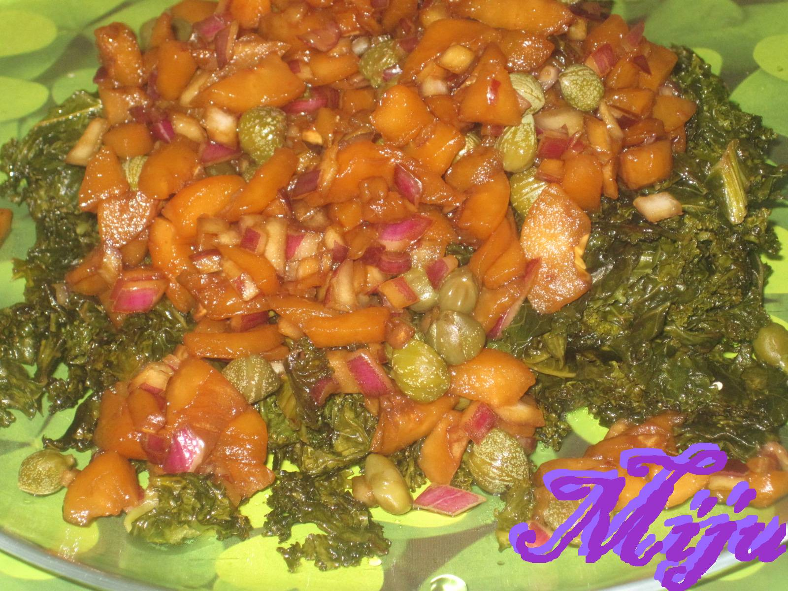 El bocado de la huerta kale con picadillo de nispero for Cocinar nisperos