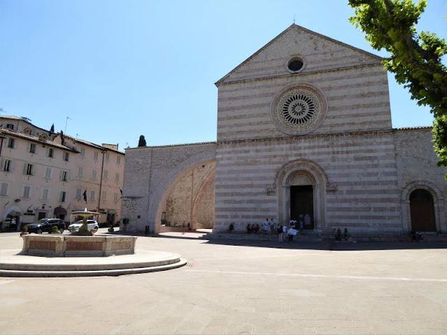 basilica di santa chiara assisi