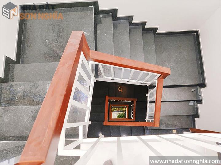 Cầu thang dạng xoắn ốc
