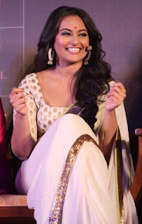 Bollywood Actress Sonakshi Sinha Pictures In Transparent White Saree (3)