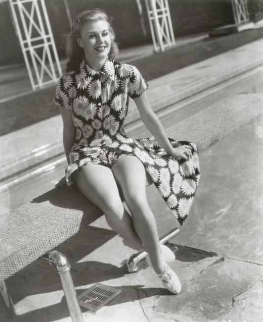 Beautiful Vintage Photos Of Actresses In Bikini Vintage