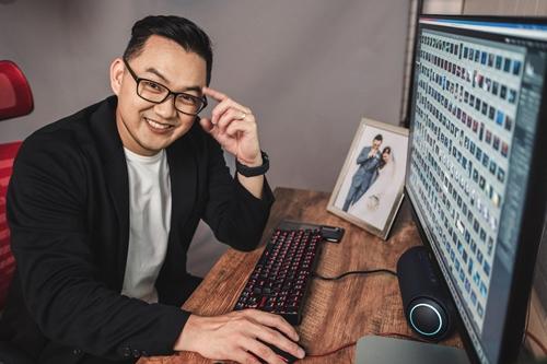 Photographer Magic Liwanag for LG UltraFine Monitor