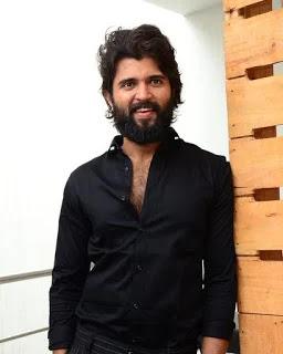 vijay devarakonda black shirt