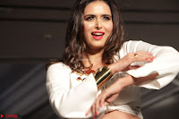 Meenakshi Dixit Walks the Ramp At Designer Nidhi Munim Summer Collection Fashion Week (6).JPG