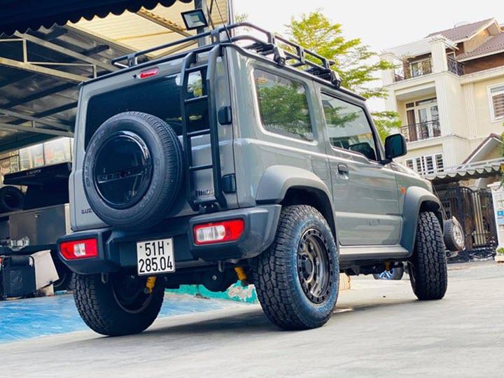 Suzuki Jimny độ off-road hầm hố tại Việt Nam