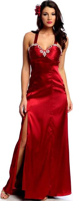 Foto de mujer con vestido largo y rojo con tiras