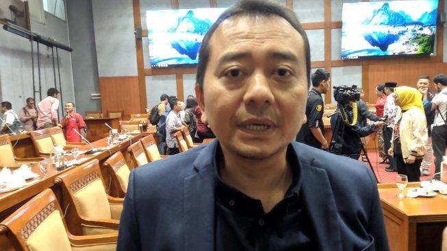 SKB Tiga Menteri Soal Seragam Siswa Ditolak Walkot Pariaman, Begini Kata DPR