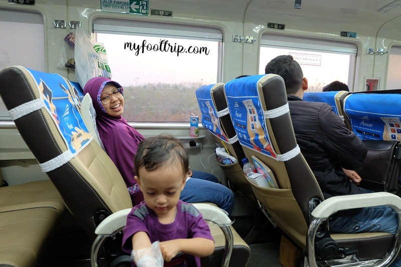 kereta api ekonomi yang nyaman