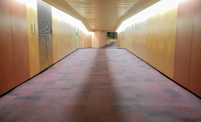 Pedestrian tunnel, Hay's Galleria