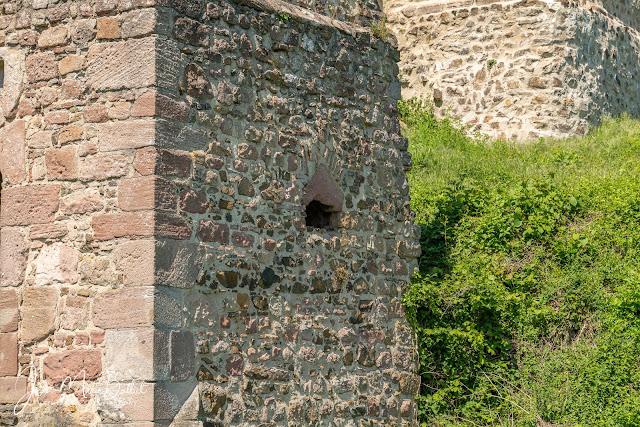Château du Hugstein — Tour porte du 15e s.