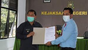 Bentuk Pemulihan Keuangan Daerah Kabupaten Karo, Bupati Karo Terima Rp 1,1 Miliar Dari Kejari
