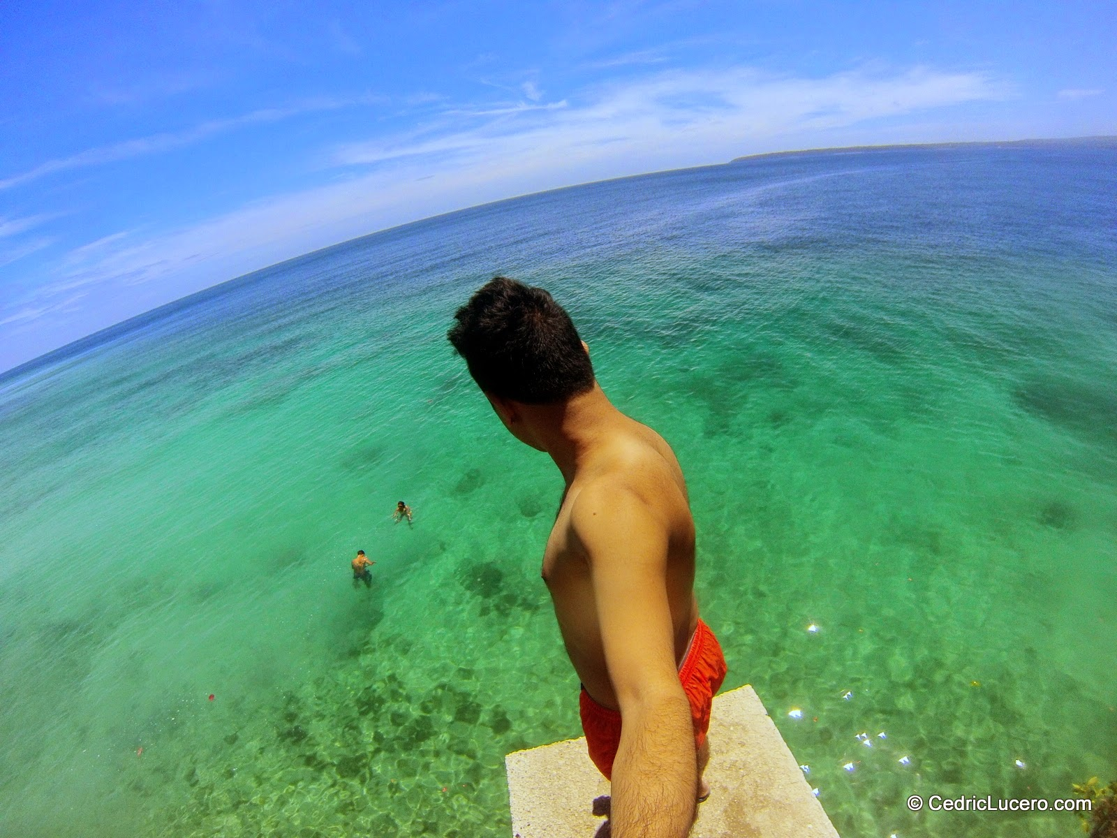 20 Feet Cliff Jump in Siquijor - Cedric Lucero