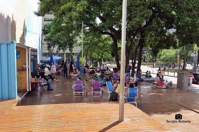 Vista ampla do espaço de convivência Centro Aberto São Bento - Centro - São Paulo