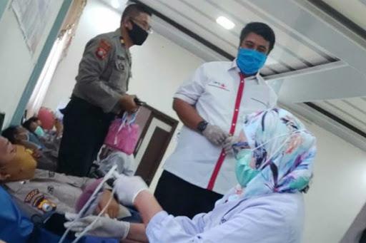 Ratusan Personil Polres Maros Donor Darah untuk Kebutuhan Wabah Covid 19