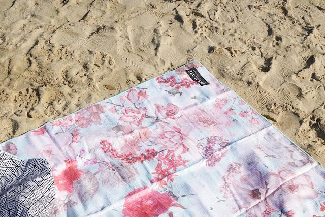 Vintage Rose No Sand Tesalate Towel Australia
