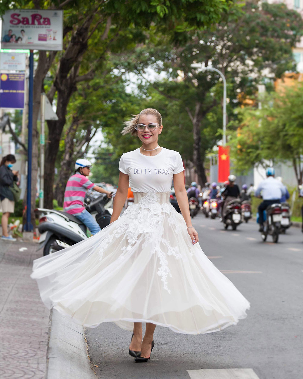 Crystal Phuong- Singapore Fashion Blog- Street style in Ho Chi Minh