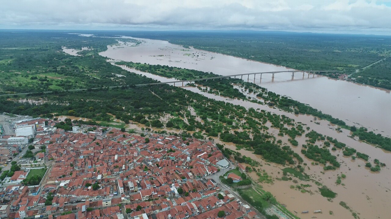 Alerta: Nível do rio São Francisco chega a 7,46 metros na cidade de Bom Jesus e ultrapassa a última cheia do ano
