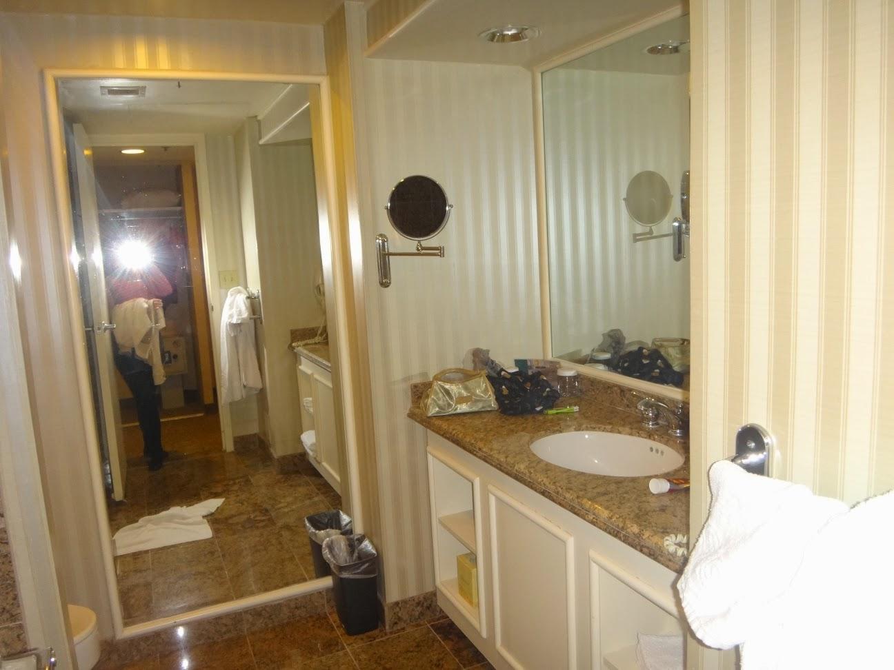 banheiro do quarto classico - hotel ballys - las vegas