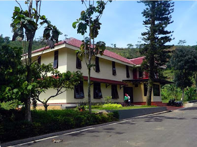 villa bukit hambalang
