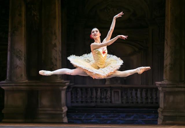 A Don Quijotét viszi színre a Magyar Nemzeti Balett november 19-én. A darabot a világhírű Michael Messerer állította színpadra Budapesten. A grandiózus produkció négy szereposztásban, az Opera történetének egyik leglátványosabb díszletében, nyolc előadásos szériában látható november 27-ig.