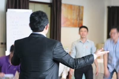 Cẩm nang huấn luyện kỹ năng sinh hoạt tập thể trong công việc