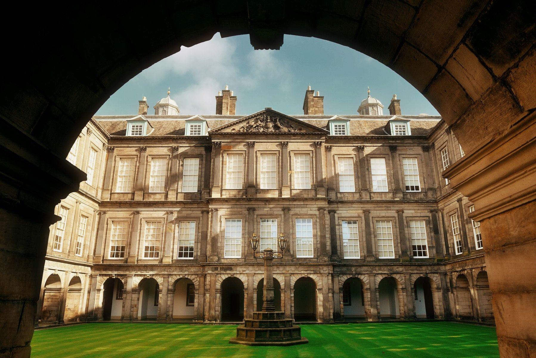 Holyrood Palace Images 4