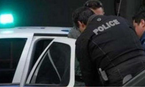 Με αεροβόλο πιστόλι το οποίο είχε στη θαλάμη του πλαστικό σφαιρίδιο αλλά και γεμιστήρα με 24 σφαιρίδια εντοπίστηκε ένας ημεδαπός από αστυνομικούς του Τμήματος Κόνιτσας.
